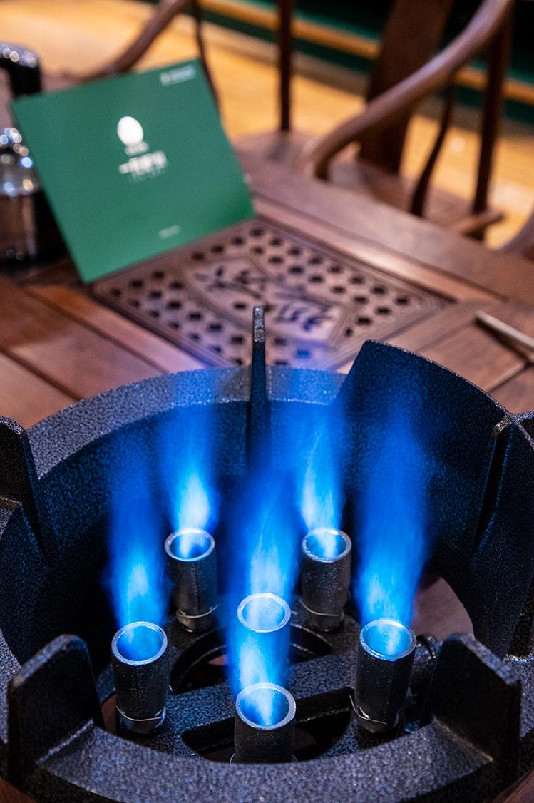 Lò lửa tên lửa (668 bếp lửa áp lực trung bình) trình diễn ngọn lửa 2.jpg