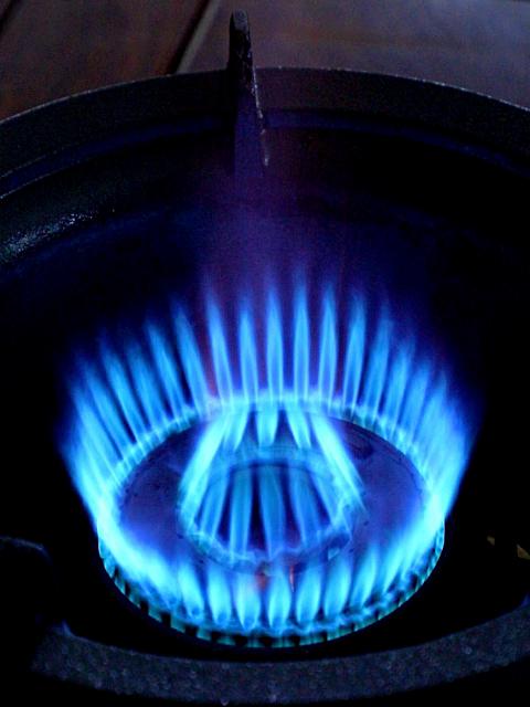 Số 7 áp lực trung bình khốc liệt bếp lửa 2.png